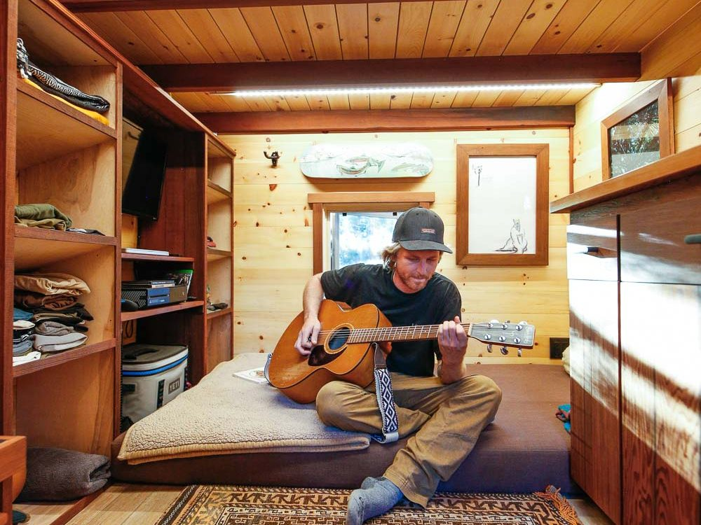 ARTISAN-OFF-GRID-TINY-HOUSE-1-of-7.jpg