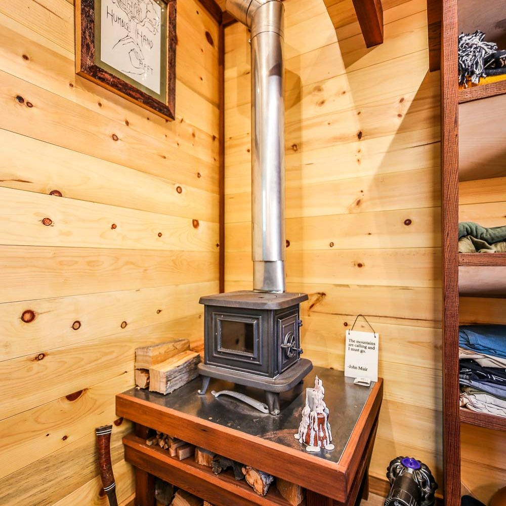 ARTISAN-OFF-GRID-TINY-HOUSE5-of-7.jpg